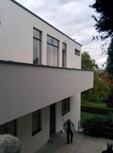 brno_villatugendhat_ext_balcony_side