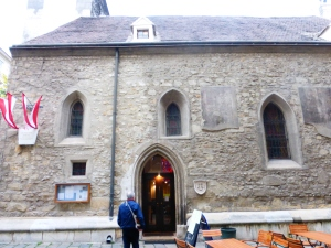 vienna_ruprechtskirche_entrance