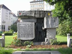 800px-Morzinplatz_Vienna_June_2006_298