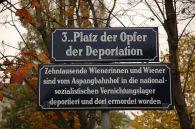 800px-Strassenschild_Aspangbahnhof