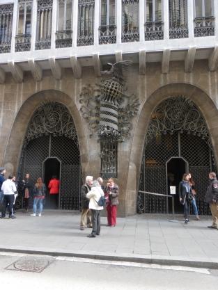 barcelona_palauguell_ext_ironwork