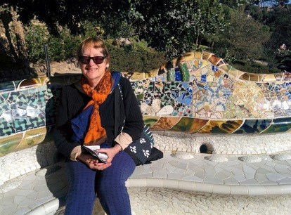 barcelona_parkguell_serpentinewall&ee3