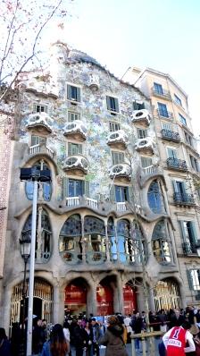 barcelona_passeiggracia_casabattlo