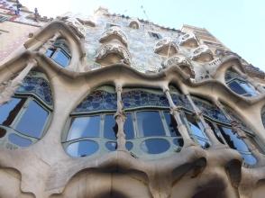 barcelona_passeiggracia_casabattlo_ext_det