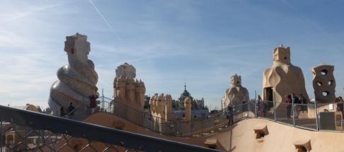 barcelona_passeiggracia_casamila_roofshapes