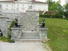 dogsculptures_tivolskigrad_tivolipark_ljubljana
