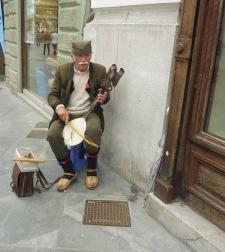 oldmansinging_ljubljana