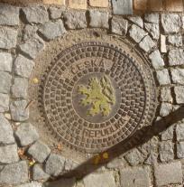 manhole_ceskykrumlov_lion