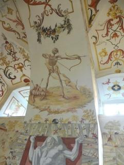stiftaltenburg_crypt_death&arrow_may14
