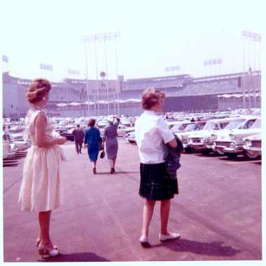 dodgerstadium_openingday_1962